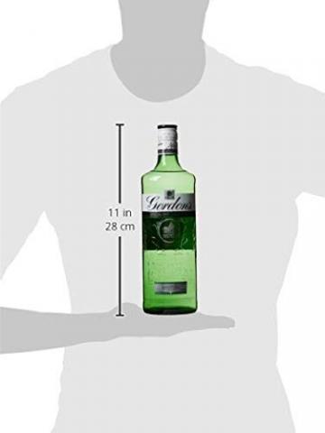 Gordon's The Original Special Dry London Gin - Green Bottle (1 x 0.7 l) - 4